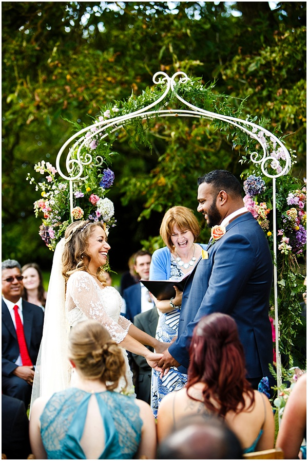 Marie and Tiz Yurt Wedding Oxfordshire Wedding Photographer Ross Holkham Photography-24