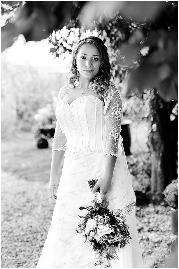 Marie and Tiz Yurt Wedding Oxfordshire Wedding Photographer Ross Holkham Photography-48