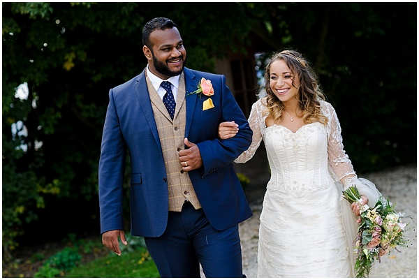 Marie and Tiz Yurt Wedding Oxfordshire Wedding Photographer Ross Holkham Photography-52