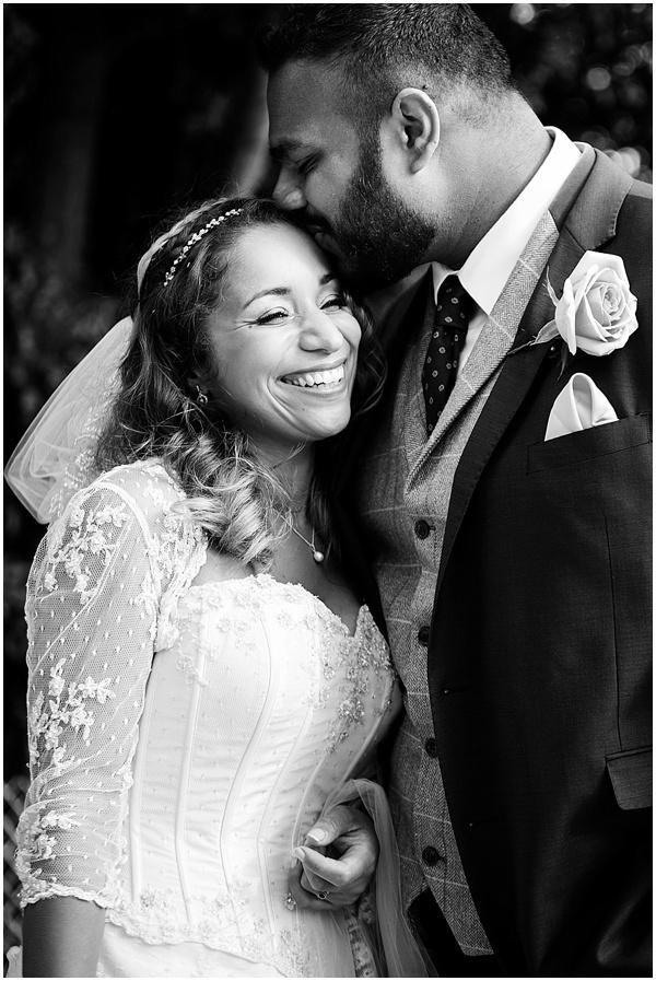Marie and Tiz Yurt Wedding Oxfordshire Wedding Photographer Ross Holkham Photography-62