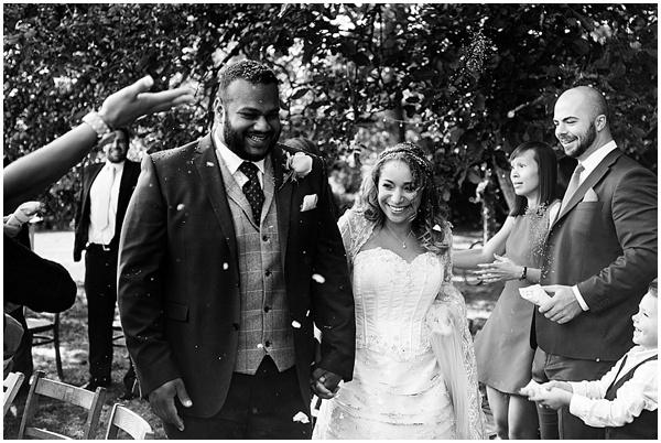 Marie and Tiz Yurt Wedding Oxfordshire Wedding Photographer Ross Holkham Photography-66